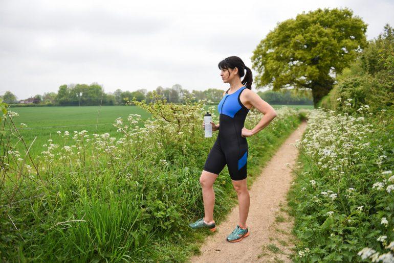 triathlonbekleidung fuer frauen triathlon einteiler